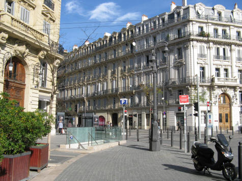 Hotels and lodgings in marseille city centre for Asptt marseille piscine